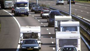 caravan op snelweg (1)